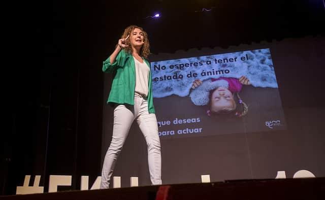 Speech de la psicóloga Elena Arnaiz en Huelva
