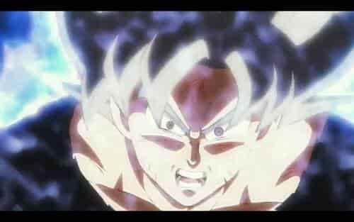 Goku se transforma en Super Saiyan Blue y tiene pelo blanco